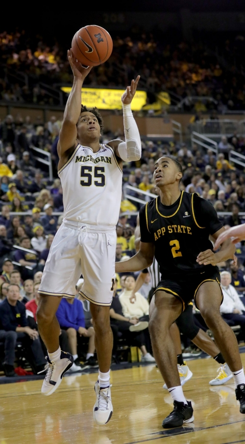 Michigan basketball avoids epic collapse, holds off Appalachian State, 79-71
