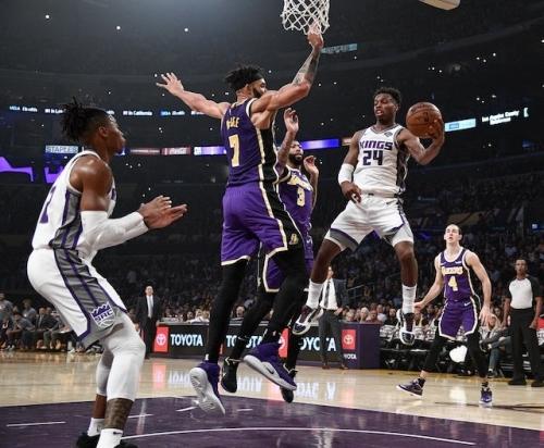 Lakers Defeat Kings Behind Anthony Davis' Game-Saving Block