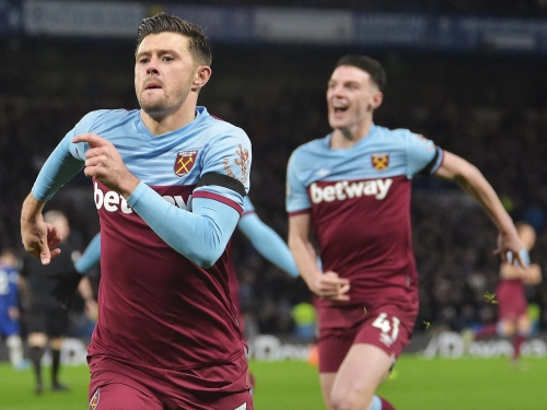 Chelsea vs West Ham report: Aaron Cresswell leads resurgent Hammers to crucial derby win
