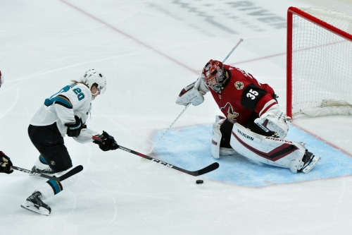 Sharks at Coyotes Preview: A quick trip to Glendale