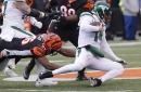 Carlos Dunlap leads defensive surge vs. Jets
