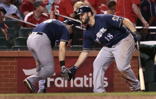 Moustakas, Reds agree to $64 million, 4-year deal, according to sources