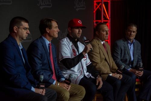 Cincinnati Reds looked beyond numbers to sign Mike Moustakas