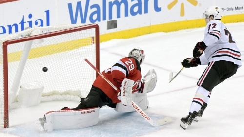 Kirby Dach scores shootout winner, Blackhawks beat Devils