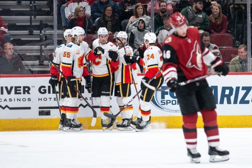 Den's Digest: What went wrong in Coyotes' ugly loss to Flames