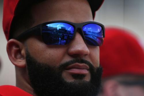 Texas Rangers trade Nomar Mazara to Chicago White Sox