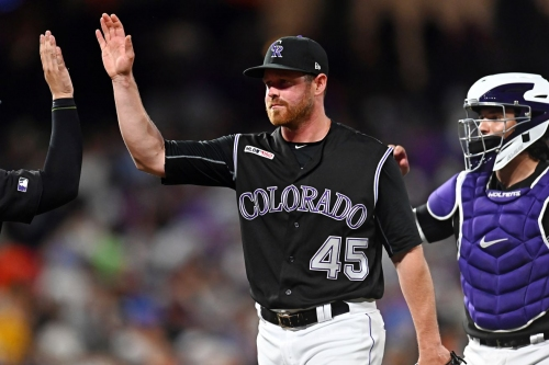 Rockies sign Scott Oberg to 3-year extension
