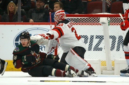 Arizona Coyotes fall behind early, lose to New Jersey Devils on home ice