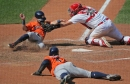 Cardinals re-sign Wieters as backup for Molina