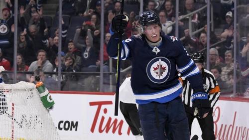 Patrik Laine's power play hat trick leads Jets past Senators