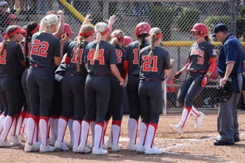 Homers, Alyssa Denham power Arizona softball past San Diego State
