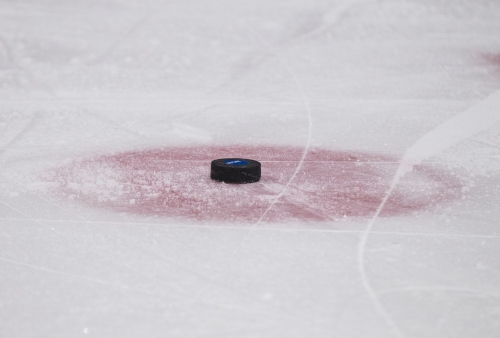 Wisconsin hockey edges No. 9 Arizona State, ending Sun Devils' seven-game win streak