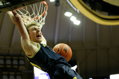 Michigan basketball uses its defense to win another Big Ten road game, 71-63 at Purdue