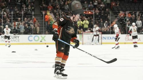 Ducks' Nicolas Deslauriers gets natural hat trick in win over Senators