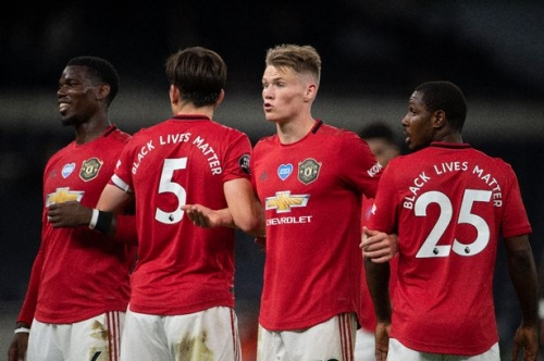 Man United may have wildcard solution to issue thanks to Gary Neville