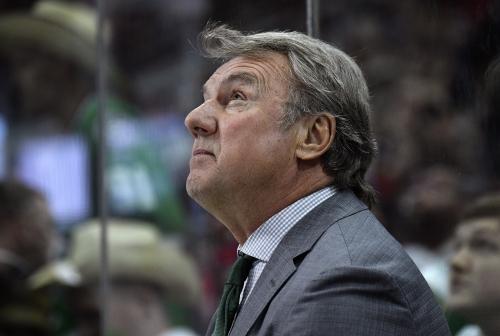 NHL's older coaches debate wearing masks, taking extra precautions against virus
