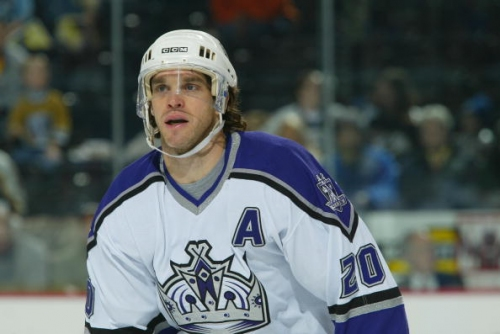 Today in Hockey History: Luc Robitaille Returns to Los Angeles Kings