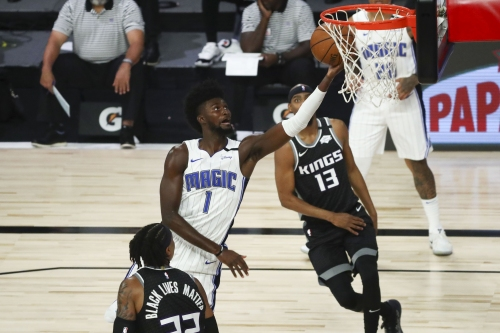 Jonathan Isaac suffers another knee injury during Magic game