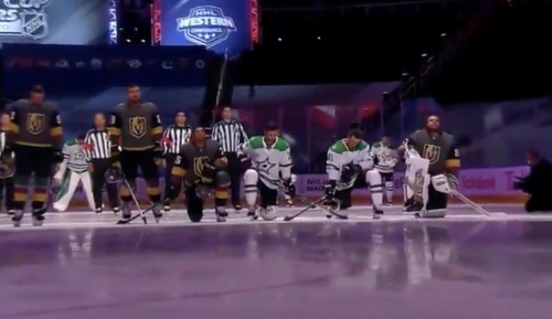Potential Red Wings free-agent target Robin Lehner kneels for anthem with others (VIDEO)