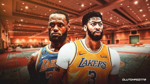 Anthony Davis reacts to Lakers' early offensive struggles in NBA bubble