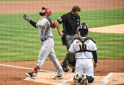 Anthony DeSclafani tosses 6 shutout innings, Cincinnati Reds beat Milwaukee Brewers