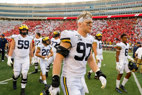 Here are some of the factors going into Michigan DE Aidan Hutchinson's draft decision