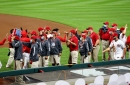 'No other city had that': Cincinnati Reds players thank grounds crew after final home game