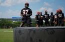 Bengals Injury Report: Geno Atkins still limited, Mackensie Alexander returns