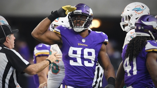 Former NFL doctor speculates that season-ending surgery could be 'on the table' for Vikings star Danielle Hunter