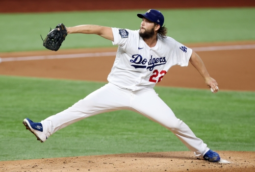 Clayton Kershaw fools Rays in Dodgers' Game 1 victory