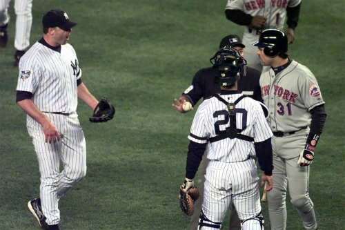 Roger Clemens' 'bizarre' Mike Piazza bat throw is still shocking