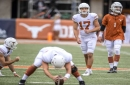 Horns lead 13-3 at halftime, but Texas, Baylor are both getting their kicks