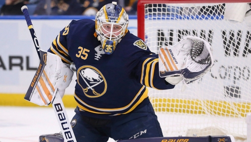 Sabres agree to one-year deal with Linus Ullmark, avoiding arbitration