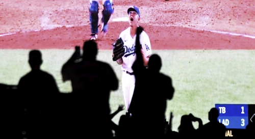 World Series TV ratings drop 32% previous low from 2012