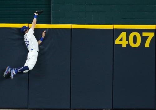 Dodgers News: Walker Buehler, Alex Wood React To Cody Bellinger Losing Gold Glove Award To Padres' Trent Grisham