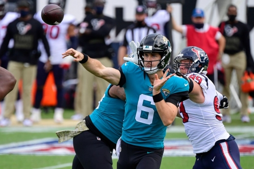 Jaguars still searching for a win, fall just short 27-25 against Texans