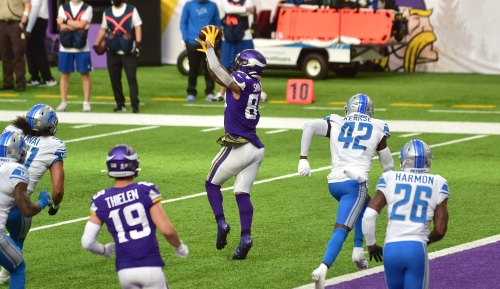 Vikings putting less wear and tear on Kirk Cousins' arm