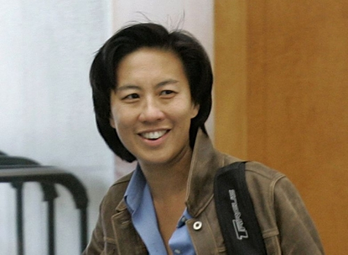 Column: As Kim Ng breaks baseball's glass ceiling and becomes the first female GM, she receives the undying support of her peers: 'A great day for the game. A great day for society.'