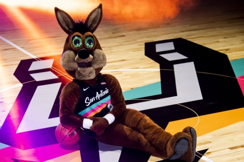The Spurs will unveil new Fiesta-themed court during virtual draft party