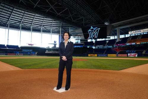 Offishial news, 11/17/20: Kim Ng's intro; LIDOM season debuts