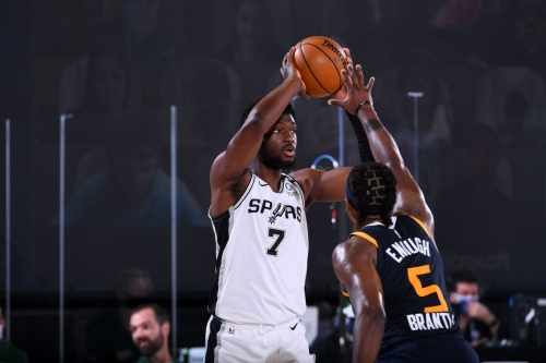 Report: The Spurs have waived Chimezie Metu