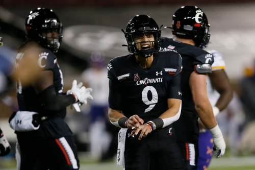 Live updates: No. 7 Cincinnati Bearcats vs. UCF Knights in pivotal AAC matchup