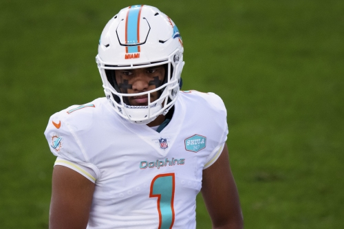 Tua Tagovailoa benched, Ryan Fitzpatrick's comeback fall short as Dolphins' win streak ends in Denver