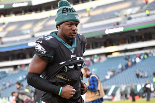 Official: Eagles sign Jordan Howard to the practice squad