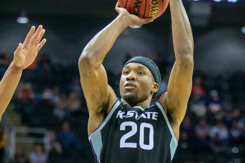 Hornets sign undrafted free agent Xavier Sneed