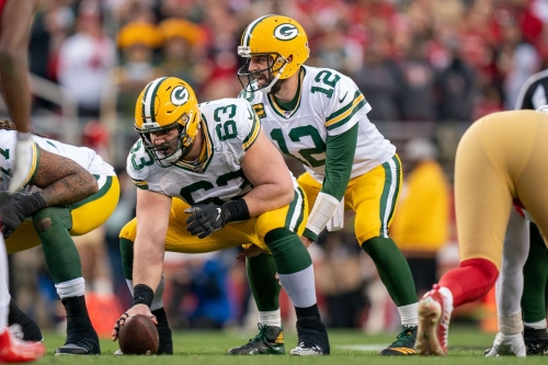 Corey Linsley leaves game with leg injury, Elgton Jenkins now at center
