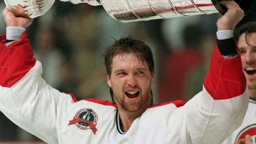 Pain of Patrick Roy's trade from Canadiens still resonates 25 years later