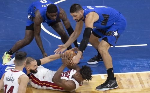 Evan Fournier leads Magic to season-opening win over Heat
