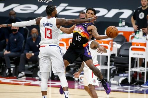 Phoenix Suns return home to face slumping Toronto Raptors