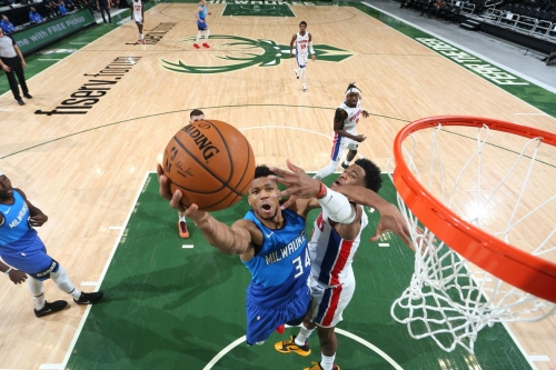 Bucks vs. Pistons Game Thread